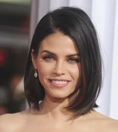 Bob Hairstyle Shoulder Length Have you ever been thinking about the Bob hairstyle, shoulder length that you see look like a retro ...
