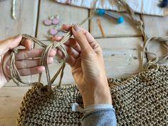 Crochet Motif, Crochet Top, Knit Patterns, Sewing Patterns, Crochet T Shirts, Crop Top Bikini, Knitting Needles, Straw Bag, Stitch
