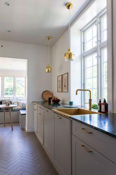 RYDDIG HYGGE: Interior Inspiration, Villa, Kitchen Cabinets, Interior Design, Home Decor, Nest Design, Decoration Home, Home Interior Design, Room Decor