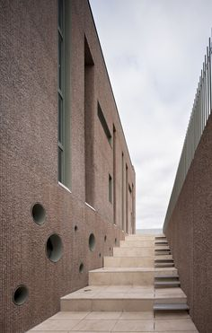 Fuensanta House | MUKA Arquitectura | http://www.archdaily.com/591227/house-between-party-walls-fuensanta-house-muka-arquitectura