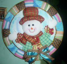 Decorative Plates, Applique, Christmas Tree, Holiday Decor, Plum, Pictures, Home Decor, Holiday Crafts, Christmas Ornaments