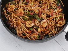 Pasta with shrimps and dried tomatoes is a simple recipe for a delicious and effective dinner, which you will cook literally in half an hour. Thanks to our recipe read on … Shrimp Pasta, Dried Tomatoes, Japchae, Paella, Easy Meals, Dinner, Cooking, Simple, Ethnic Recipes
