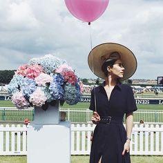 Merci à nos jolies ambassadrices de dimanche dernier. @theballoondiary a porté le modèle Elisabeth pour le Prix de Diane Longines. #prixdedianelongines #horseracing #hat #millinery #chapeau #capeline #chantilly #wedding #flowers