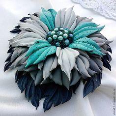 """""""Сон голубой стрекозы"""" Брошь цветок кожа натуральная - брошь,цветок,подарок Leather flowers."""