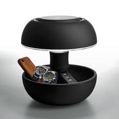 Lampe composée d'une structure en ABS noir mat équipée de 3 prises USB (5V) et d'un câble d'alimentation tissé noir.Cette jolie lampe au look 60's est avant tout très pratique : en plus de vou...