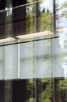 SANTA&COLE presenta Lámina, el arte de Antoni Arola Santa Cole, Pendant Lamp, Lighting Design, Simple Lines, Diffuser, Art, Light Design, Swag Light, Hanging Pendants
