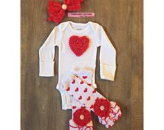 Newborn Girl Take Home Outfit by BabicakesCouture