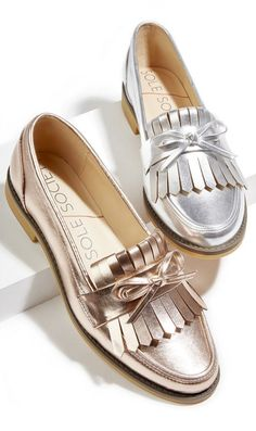 SOLE SOCIETY Metallic fringe & bow loafers in rose gold and silver Cute Shoes, Women's Shoes, Me Too Shoes, Shoe Boots, Flat Shoes, 60s Shoes, Golf Shoes, Daily Shoes, Flats