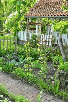 Potager (ornamental kitchen/vegetable garden) from Claus Dalby