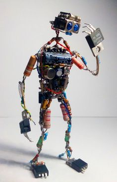 Electronic Components Art: 3 Steps The heritage - Mexican Metal Yard Art Tech Art, Arte Tech, Electronics Projects, Diy Electronics, Electronics Components, Electronics Accessories, Arte Robot, Robot Art, Robots