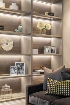 Home interior Design Videos Living Room Hanging Plants Link – Right here are the best pins around Coastal Home interior! Living Room Interior, Home Living Room, Living Room Designs, Living Room Decor, Interior Livingroom, Interior Design London, Luxury Interior Design, Interior Styling, Interior Shop