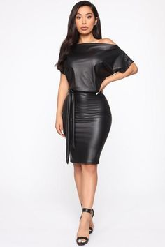 Leather Mini Dress, Pu Leather, Leather Jumpsuit, Leather Dresses, Black Leather, Leder Outfits, Swimsuits For Curves, Curve Dresses, Curves Clothing
