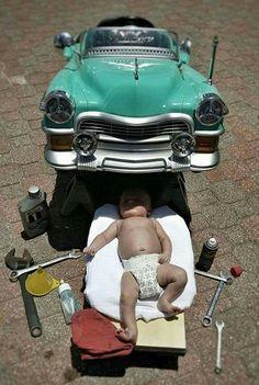 Funny Baby Pictures, Baby Boy Photos, Newborn Pictures, Newborn Pics, Cool Baby, Baby Mechanic, Auto Retro, Baby Boy Newborn, Funny Babies