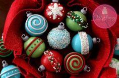 Easy holiday ornament CUPCAKES tutorial! www.mcgreevycakes.com