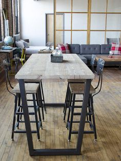 Industrial furniture Restaurant - Bar Height Dining Table, High Top Pub Table with steel legs in your choice of color, size and finish. Bar Table Sets, Patio Bar Set, Bar Table Diy, Barn Table, Bar Height Kitchen Table, High Dining Table, High Bar Table, High Table Kitchen, Bar Height Table Diy