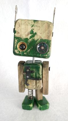 Robos in medal series – Wood Robots – 004 Recycled Robot, Recycled Art, Cool Art Projects, Wood Projects, Diy Robot, Decoration Inspiration, Wood Toys, Diy Toys, Wood Art