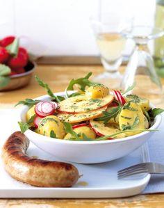 Äpfel geben herzhaften Gerichten eine süße Note - Rezepte für Kartoffelsalat mit Apfel und Apfelflammkuchen.