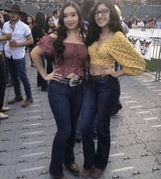 Cowboy Girl Outfits, Rodeo Outfits, Church Outfits, Fiesta Outfit, Mexican Outfit, Teenager Outfits, Outfits For Teens, Cute Outfits, Botas Outfit