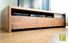 tv meubel dressoir maatwerk design meubelmaker fijn timmerwerk hillegom notenhout noten cabinet walnut drawer hifi custom made handmade interior cabinetry wood