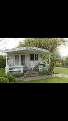 Cute backyard cottage idea or a great little guest house idea! Style Cottage, White Cottage, Cottage Living, Cozy Cottage, Cottage Homes, Cottage Porch, Little Cottages, Small Cottages, Cabins And Cottages