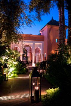 Visit La Mamounia in Marrakech, Morocco virtually when you see this photo essay with more than 60 photos from the property. On the list of my favorite hotels from Islamic Architecture, Beautiful Architecture, Architecture Details, Moroccan Art, Moroccan Design, Mamounia Marrakech, Marrakech Morocco, Destinations, Villa
