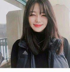 korean fashion trends 806 – MY World Short Hair With Bangs, Haircuts With Bangs, Cool Haircuts, Pelo Ulzzang, Ulzzang Hair, Korean Bangs Hairstyle, Korean Hairstyles, Hair Barrettes, Hair Clips