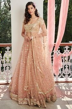 Want to buy Indian designer bridal Lehenga and personalized designer Lehenga Online? Get Latest Lehenga Designs Online Shopping at Carma Online Shop. Shop Now or step in to our nearest store to check the collection. Designer Bridal Lehenga, Indian Bridal Lehenga, Indian Bridal Outfits, Bridal Dresses, Wedding Lehnga, Indian Wedding Dresses, Lehenga Reception, Dress Indian Style, Indian Fashion Dresses