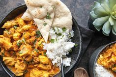 Om een snel rijst gerechtje op tafel te kunnen zetten zonder de pakjes of zakjes, hebben we hier voor jou een simpel én gezond kip tandoori recept.
