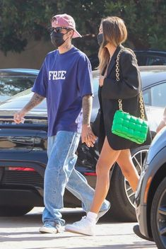 Hayley Bieber, Hailey Baldwin Style, Justin Hailey, These Girls, Off Duty, Sporty, Models, Street, Couples