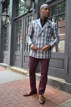In continuing with the Bold Blazer Series from last summer, behold the custom linen, plaid, Derby blazer by Indochino. When you head to the Indochino site, you will see that this blazer is shown as… Blazer Fashion, Suit Fashion, Mens Fashion, Style Fashion, Stylish Men, Men Casual, Heavy Clothing, Derby, Suit Up
