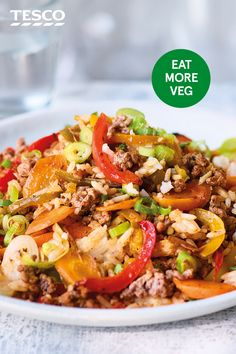 Combine crispy beef mince, colourful mixed peppers and fresh spring onions for this spicy one-pot Cajun beef and rice bowl, an easy healthy family meal. Healthy Beef Recipes, Healthy Eating Tips, Cooking Recipes, Beef Mince Recipes, Mince Meals, Healthy Nutrition, Drink Recipes, Mince Dishes, Quick Meals To Make