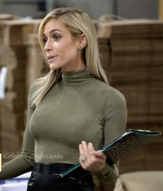 Kristin Cavallari's Bodysuit is the Wear-With-Everything Basic You've Been Loo. - Kristin Cavallari's Bodysuit is the Wear-With-Everything Basic You've Been Looking For Celebrity Style Guide, Celebrity Travel, Winter Fashion Casual, Fall Fashion, Fashion Ideas, Turtleneck Bodysuit, Warm Dresses, Christian Louboutin So Kate, Kristin Cavallari