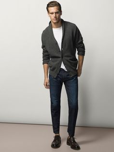 CASUAL FIT JEANS WITH LEATHER DETAILS