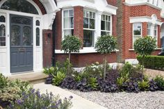 Front garden design in Turney Road, London, 2 – Front garden design in Turney Ro… Front Garden Ideas Driveway, Front Yard Landscaping, Driveway Design, Mulch Landscaping, Landscaping Ideas, Diy Garden, Terrace Garden, Courtyard Gardens, House With Porch