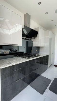 Kitchen Pantry Design, Luxury Kitchen Design, Luxury Kitchens, Interior Design Kitchen, Home Building Design, Small House Design, Cuisines Design, White Vinegar, Grout