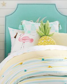 Beach Style Bedroom Ideas - A huge, slim room is perfect for a row of twin beds at a beach home where lots ... With informal yet comfy decoration, a straightforward bedroom will certainly make your visitors ... #beachstylebedroom #bedroomideas #beachhutstylebedroom