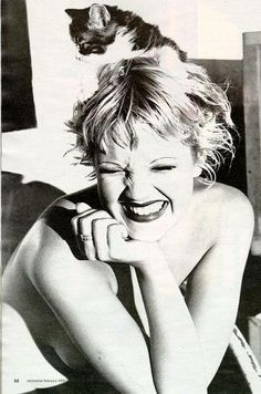 Drew Barrymore back in her Mad Love days, when her hair was absolutely ADORABLE and her face was cute as a button (well I guess it still is lol) Love love love!