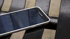 Samsung Galaxy J3 side