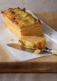 Root Vegetable Terrine with potatoes, sweet potatoes, butter, parmesan, whipped cream. Great vegetable idea for fall. Rockwell Catering and Events Vegetable Dishes, Vegetable Recipes, Vegetarian Recipes, Cooking Recipes, Good Food, Yummy Food, Tasty, Potato Pave, Root Vegetables