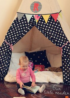 Teepee using Smile and Wave tutorial: http://racheldenbow.blogspot.com/2010/01/teepee.html#