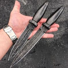 I think any assassin would kill for one of these daggers. Credit goes to @olamic thanks a lot mate!  #knifecommunity #knifeaddict #knives #knife #knifegasm #knifepics #knifeporn #tacticalknife #tactical #americaknife #survivalknife #survivalknives #edc #fightingknife #campknife #bushcraft #bushcraftknife #outdoor #usa