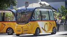 In der Schweiz fahren selbstfahrende Busse - Im Wettlauf um die Mobilität der Zukunft testet die Schweizer Post fahrerlose Busse im Linienverkehr. Das soll erst der Anfang sein. Die Visionen reichen bis zu einem Roboter-Busservice auf Abruf.