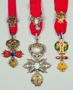 Golden Fleece Order, neck badges, British Royal Collection: opal, sapphire, and diamond.