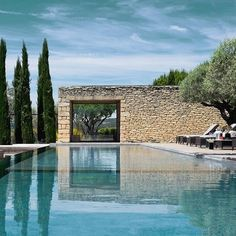 #Repost @design_hotels    Quintessential Provence @domaine_des_andeols  #simplicity #simplicitylove #simple #inspiration #architecture #lessismore #pool #summer #minimalism