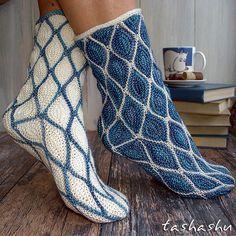 Moominland socks pattern by Svetlana Gordon - Pulli Stricken Crochet Mittens, Crochet Shoes, Knitting Socks, Hand Knitting, Knitting Patterns, Knit Crochet, Ravelry Crochet, Knitting Machine, Crochet Socks Tutorial