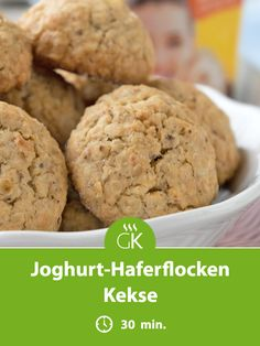 Yogurt-oatmeal biscuits - Fast, easy and incredibly good. With the recipe, you can make the yoghurt-oatmeal biscuits in no ti - Classic Peanut Butter Cookies, Peanut Butter Desserts, Peanut Butter Oatmeal, Peanut Butter Cookie Recipe, Oatmeal Biscuits, Oatmeal Cake, Oatmeal Cookies, Oatmeal Yogurt, Easy Cake Recipes