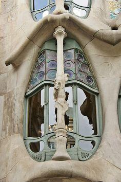 Casa Batlló, Barcelona, Spain. 1906. Antoni Gaudi