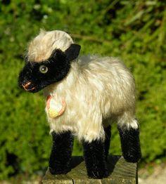 'Snucki' Steiff mountain goat