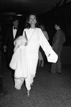 """loueale: """"Lee Radziwill at a party honoring late writer James Jones and his last novel. Carolyn Bessette Kennedy, Jacqueline Kennedy Onassis, Jaqueline Kennedy, Caroline Lee, James Jones, Peter Beard, Lee Radziwill, Diana Vreeland, Glamour"""