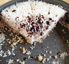 "Raw Vegan Coconut Cream ""Slutty"" Pie | A Grateful Life"
